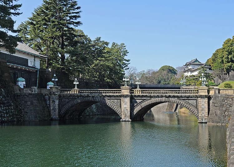 สะพานนิจูบาชิ(Two-tiered Bridge) ที่ทอดไปยังพระราชวัง