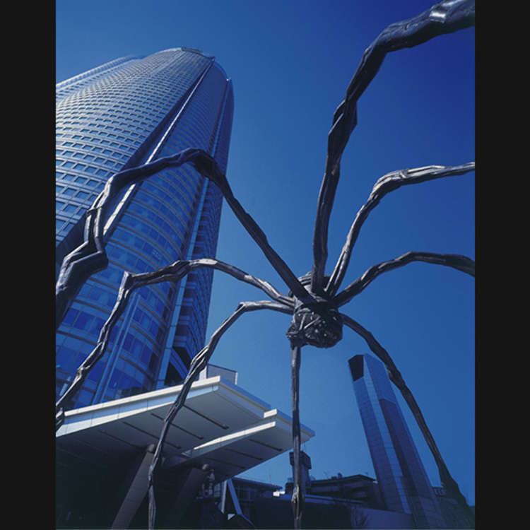 The Spider in Roppongi Hills that Catches Everyone's eye!