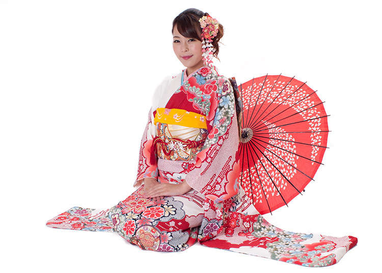 Bagaimana jika anda diberi peluang berjalan-jalan di bandar Asakusa dengan menggayakan kimono?