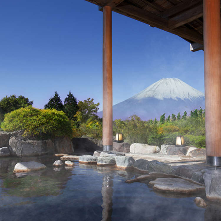Viewing Mt. Fuji While Enjoying an Open-Air Bath!
