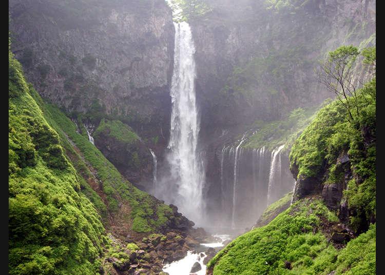 日本少有以落差聞名的壯觀瀑布