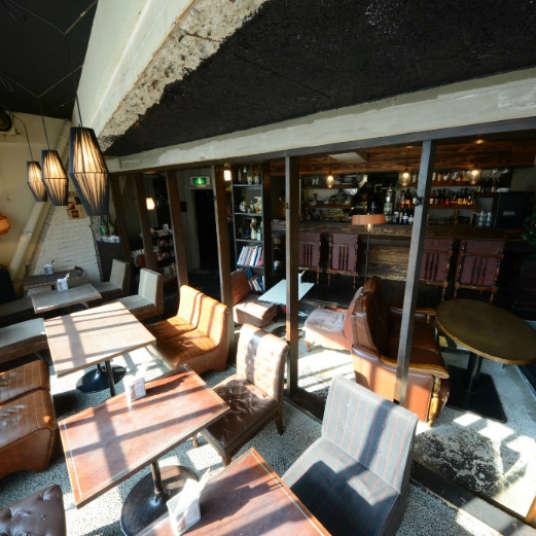 Bergaya dan Fungsional: 4 Kafe Terbaik di Shibuya