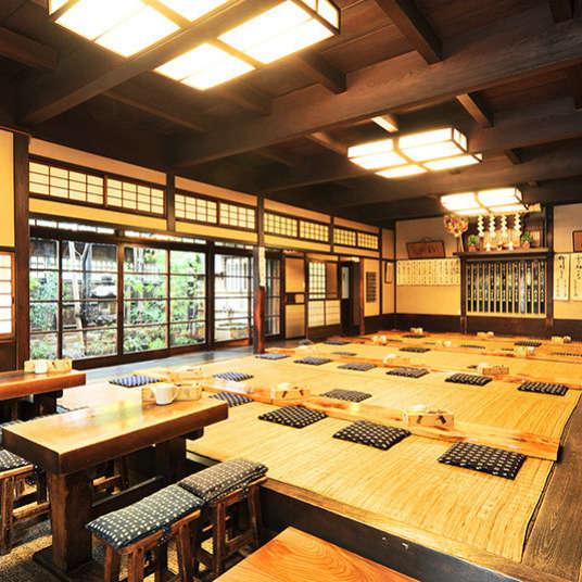 Menikmati makanan tradisional di Tokyo