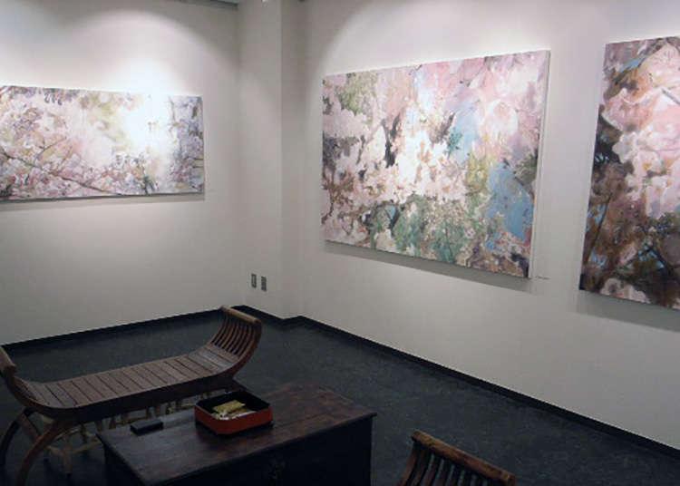Melawat galeri di Ginza