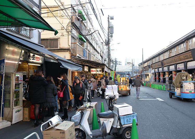 เดินชิมอาหารนอกร้านที่ซึกิจิ