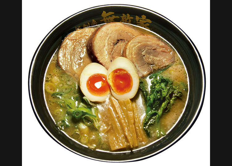 Go to the popular ramen shop that everyone lines up for
