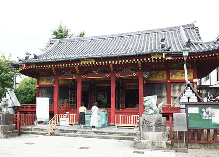 浅草神社的庙会是江户本地文化的精髓