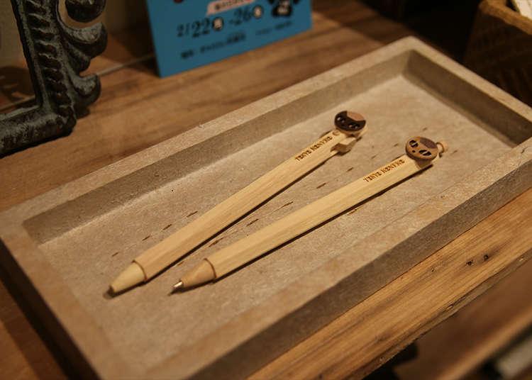 Alat tulis buatan kayu yang menenangkan