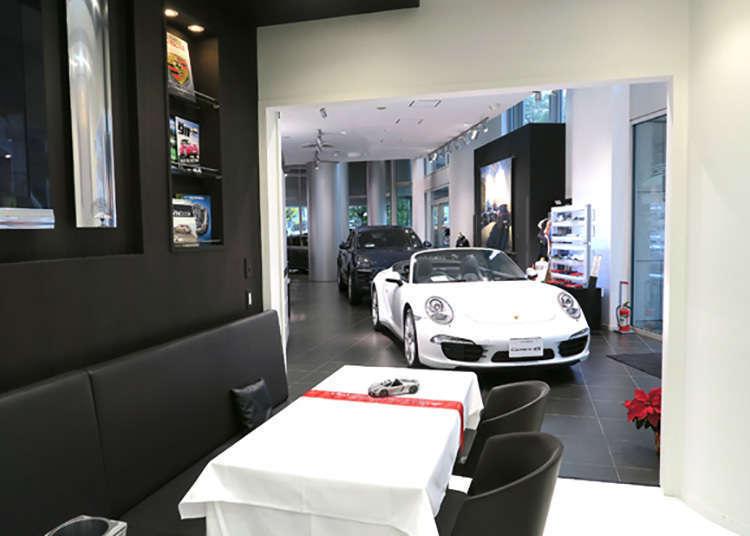 世界首例!让您可以在国外产豪华汽车保时捷的旁边喝茶的咖啡厅