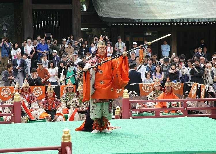 """Menyaksikan persembahan tradisional di """"Meiji Jingu Haru no Taisai"""""""