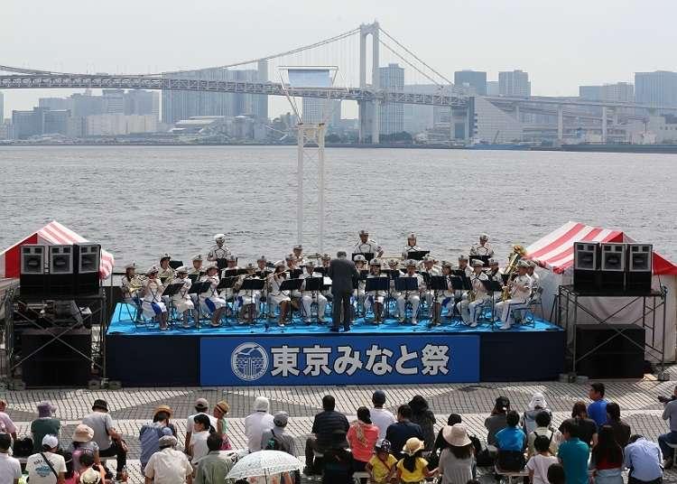 """参观珍贵船""""东京港祭"""""""