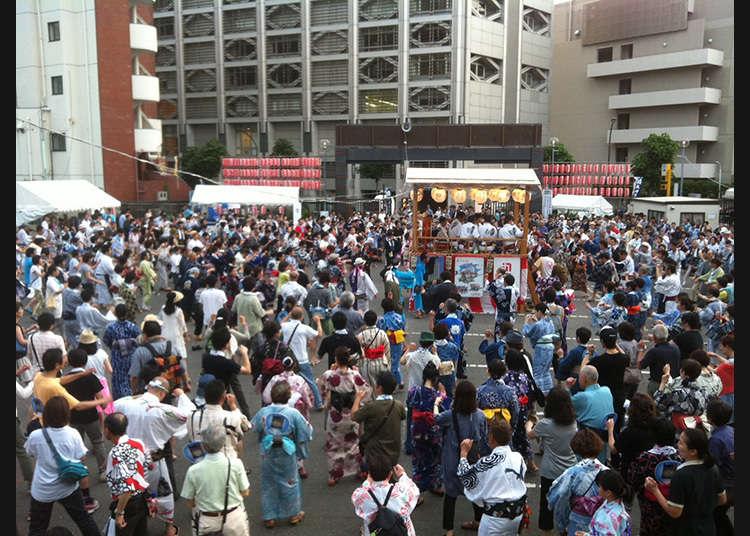 The 23rd Gujō Odori in Aoyama