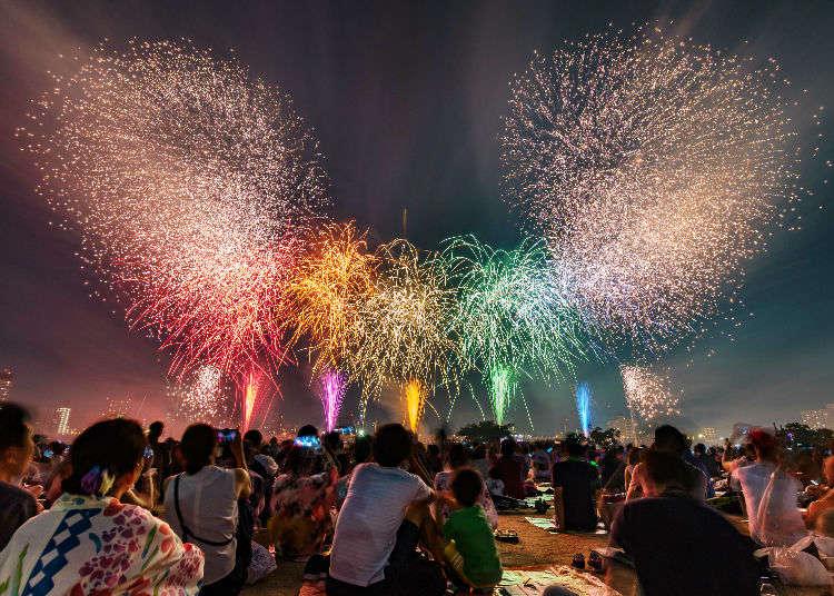 งานแสดงดอกไม้ไฟที่เติมแต่งสีสันให้กับท้องฟ้ายามค่ำคืน ในฤดูร้อนของโตเกียว
