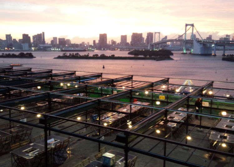 "BBQ ที่ ""DECKS Tokyo Beach"""