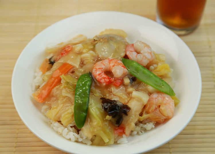 家庭餐桌上的炒飯、米飯類食品
