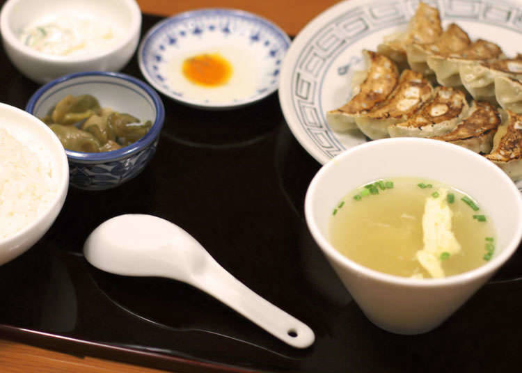 Things that you eat with gyoza