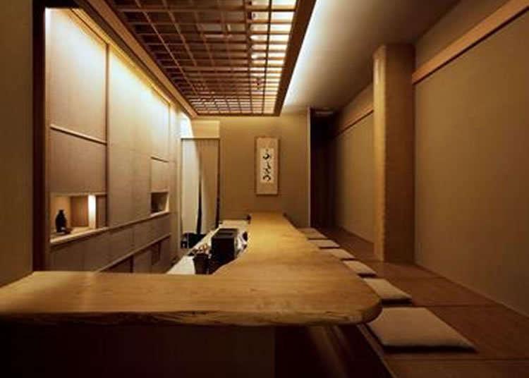 Cita rasa Jepang yang dapat dirasakan dalam suasana khas Jepang seperti di ruang minum teh