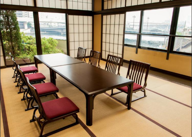 將隅田川的風光盡收眼底的優雅和室