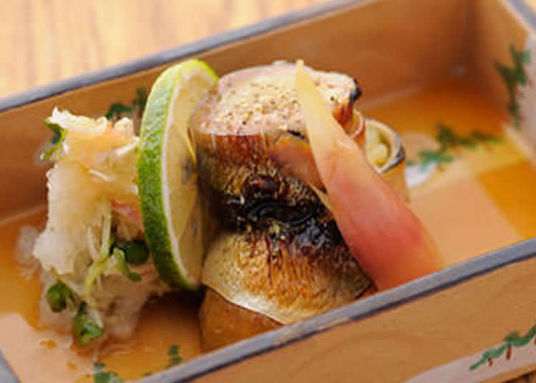 ร้านอาหารญี่ปุ่นฟิวชั่นที่ได้ลงในหนังสือเเนะนำร้านอาหารชื่อดัง
