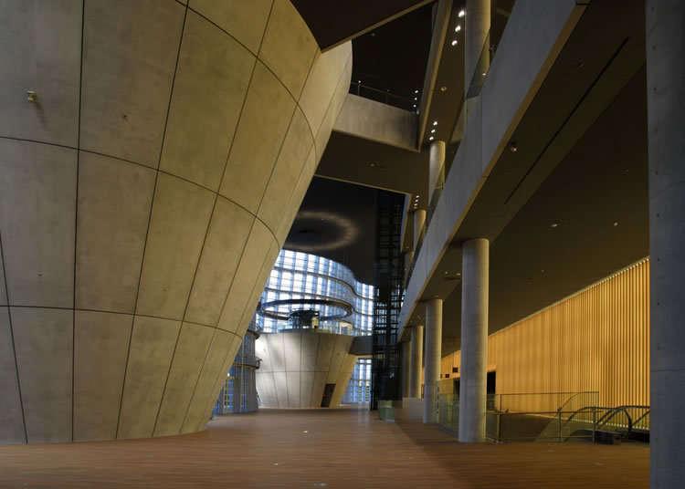 黑川紀章設計的建築物也是必看之處