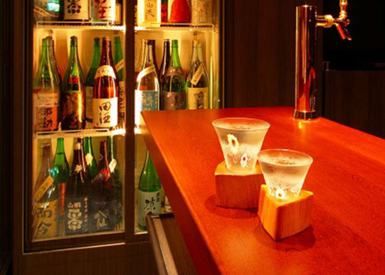 A Standing Bar Offering Sake from all over Japan
