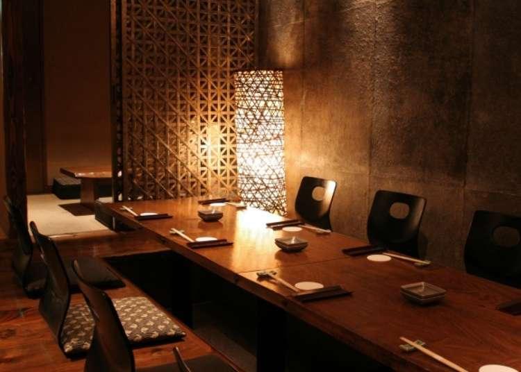 在充满高级感的氛围中享受日本酒的美味