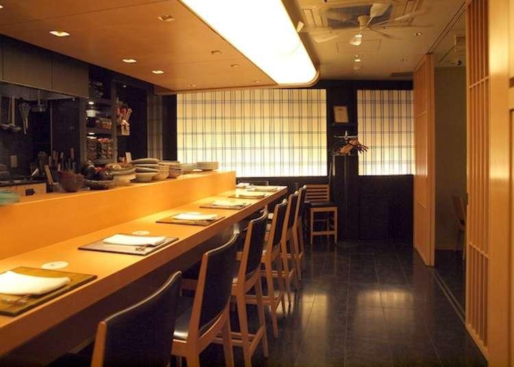 Enjoying Seasonal Japanese Cuisine in a Warm Atmosphere
