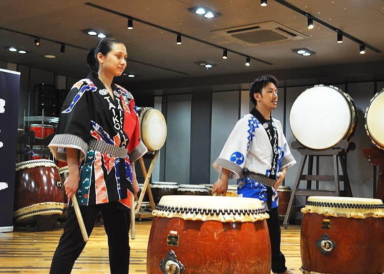 """The Taiko Lesson Begins: Picking Up the """"Bachi"""" and Warming Up"""