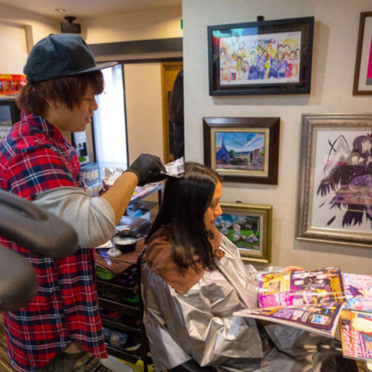 OFF-KAi!!: A Hair Salon for Anime Fans