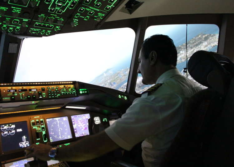 [MOVIE]SkyArt JAPANでバーチャル操縦士体験
