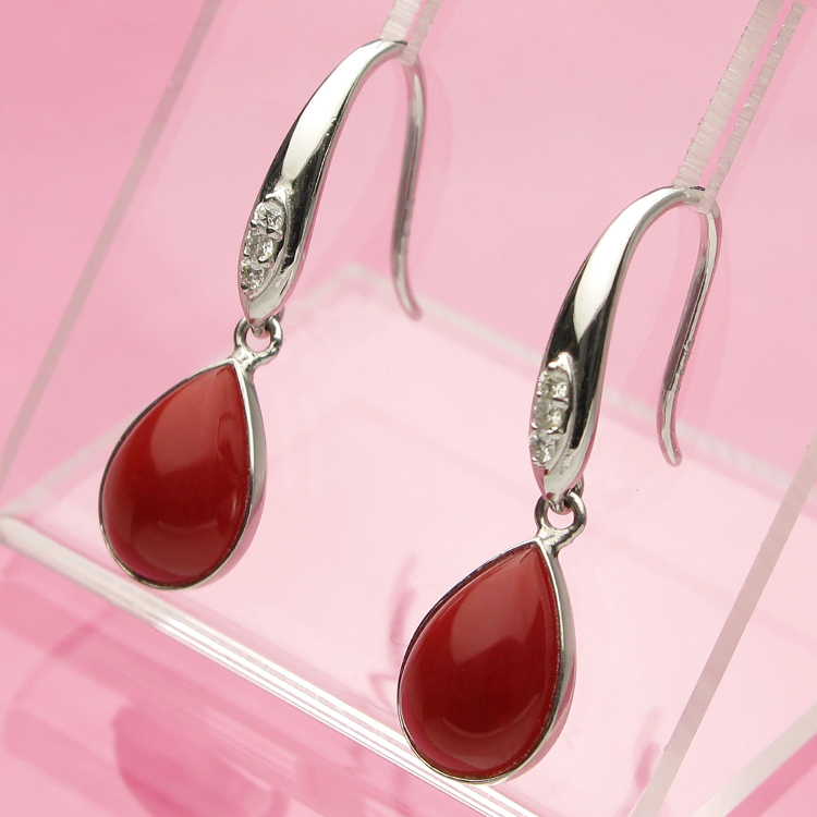 日本产赤血红珊瑚耳钉