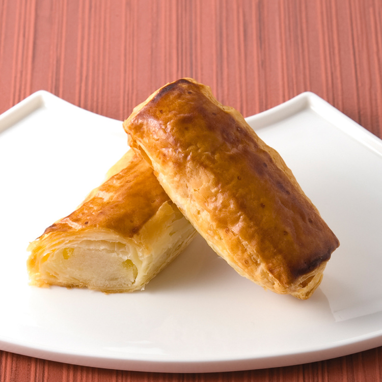 [Ginza Dayori] Ginza Dayori is a sweet made from chestnut paste, covered with moist piecrust.