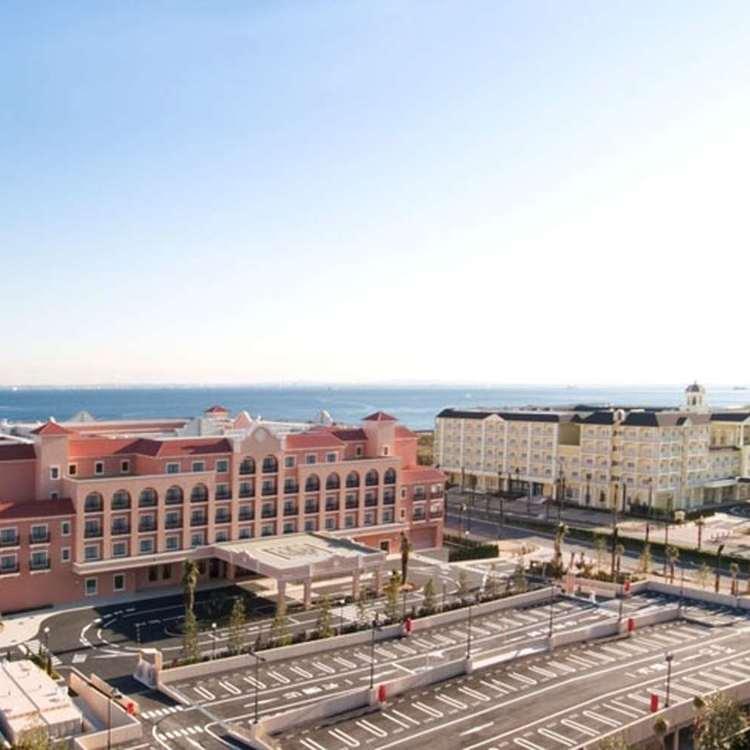 Palm & Fountain Terrace Hotel